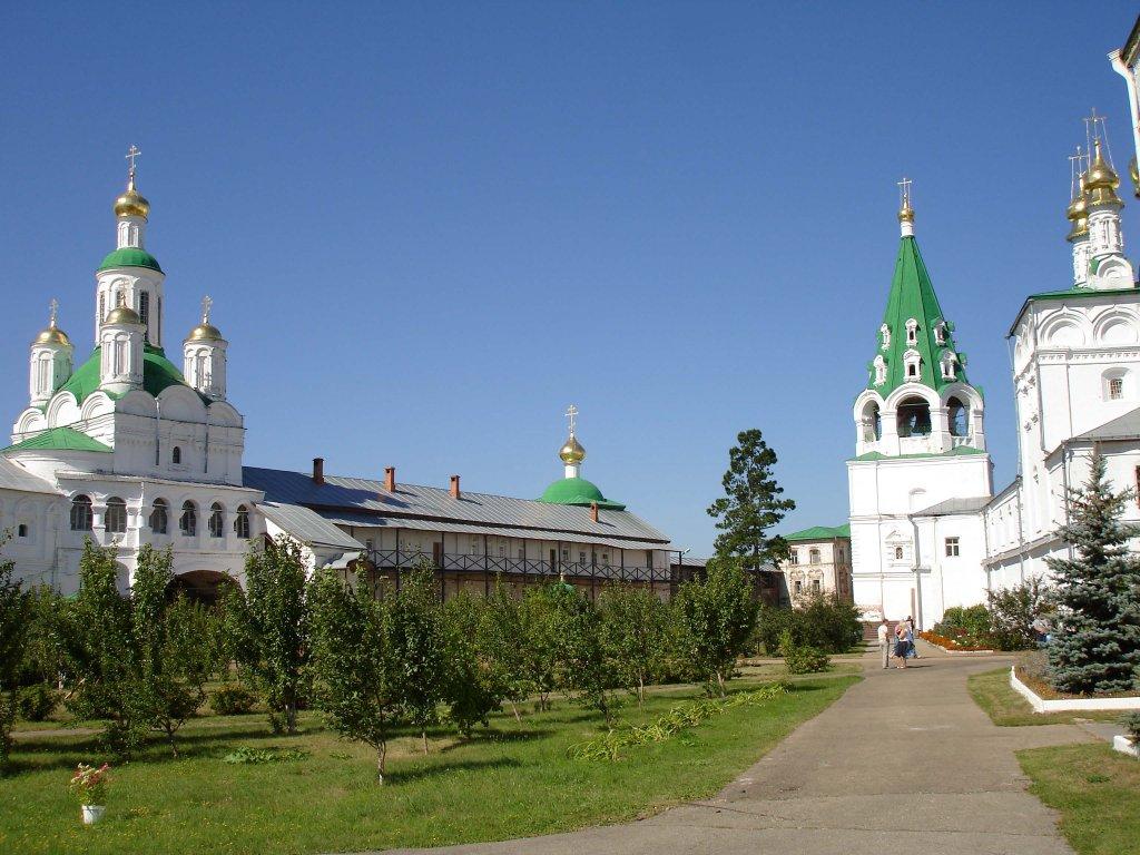 макарьев монастырь внутри.jpg